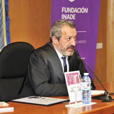 Pablo González-Carreró Fojón, dictando sentencia