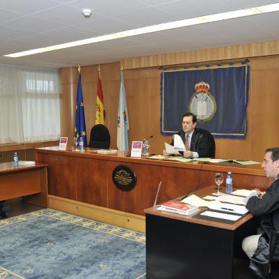 El Juez Pérez Merino, dictando sentencia