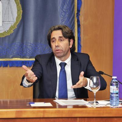 Carlos Tomé, miembro de la Junta Directiva del Colegio de Abogados de A Coruña pronunció la conferencia de clausura