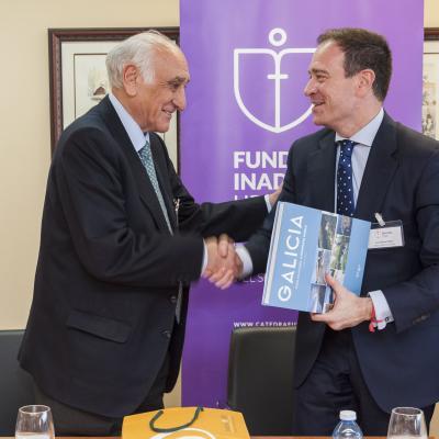 Juan Manuel Negro recibió un obsequio de parte de Fundación Inade