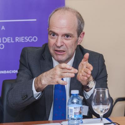 Pedro J. Ortiz durante su exposición