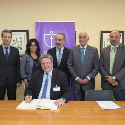 Luzzi con representantes de la Comisión de Seguimiento de la Cátedra y Fundación Inade