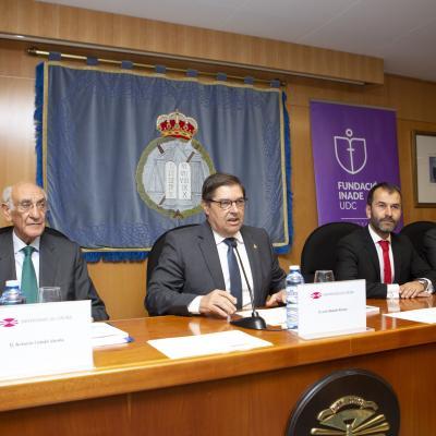 El Rector de la UDC, Julio Abalde, presidió el acto de graduación