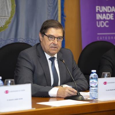 El Rector de la UDC Julio Abalde, clausuró el acto