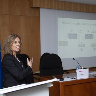 Amparo Alonso Betanzos, Presidenta de la Asociación Española para la Inteligencia Artificial, impartió la lección de clausura del curso
