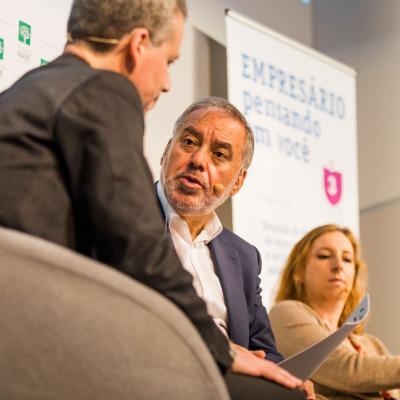 Adolfo Campos durante la sesión